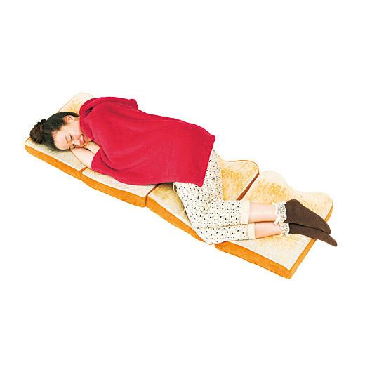 Japan-s-Bread-Beds-3