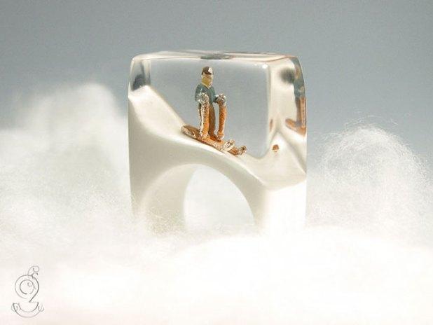 miniature-worlds-inside-jewelry-isabell-kiefhaber-11