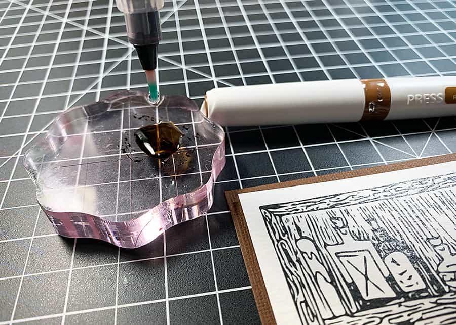 Creepy Cabinet + Nuvo Aqua Flow Pens
