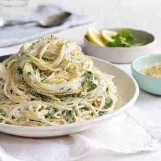 quick dinner ideas. lemon herb ricotta spaghetti