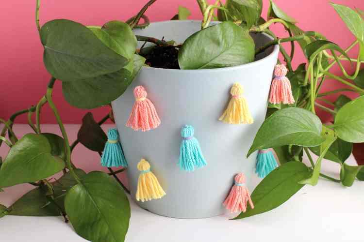 DIY Tassel indoor Planter Idea | How to decorate your indoor plants