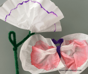 Create a beautiful art project using color chromatography at home. Teach your children STEM and explore their creativity at the same time. #colorcreativity #STEAMproject #kidcraft #easykidcraft #toddlerartproject #preschoolartproject #toddlerscience #preschoolscience #homeschoolSTEAM #homeschoolart #homeschoolscience #chromatography Team-Cartwright.com