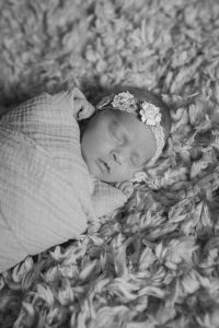 Learn how to establish healthy sleep habits and eventually drop to one nap. #baby #sleep #naps #babywise Team-Cartwright.com