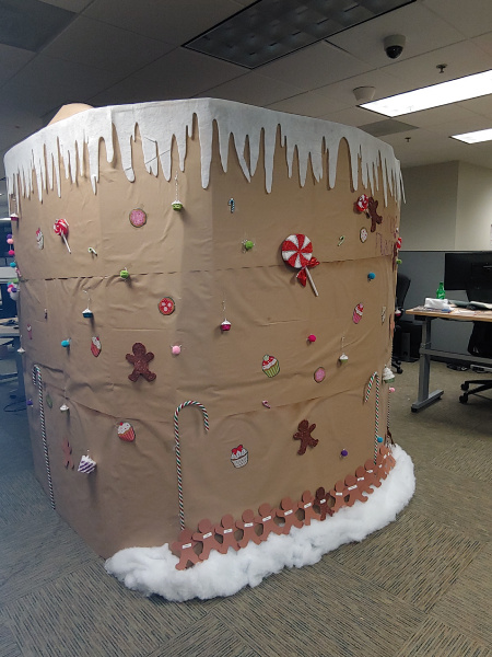 AREK's Gingerbread House Dallas TP 2