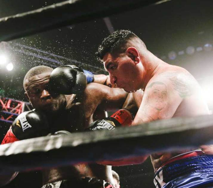 002_Chris_Arreola_vs_Fred_Kassi