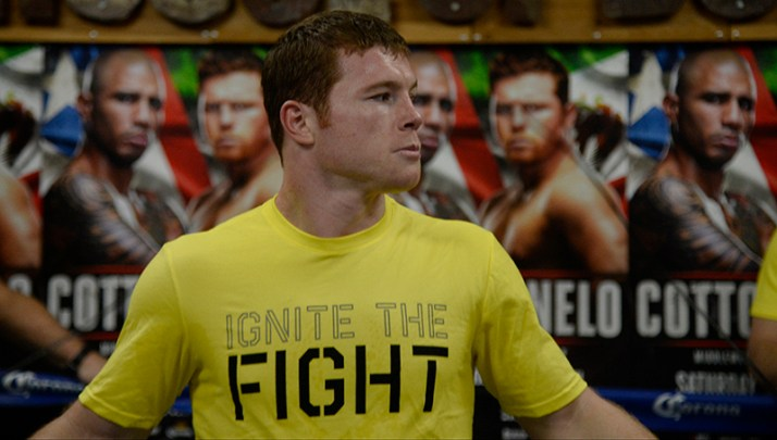 October 29, 2015. San Diego, California. SUPERSTAR CANELO ÁLVAREZ  HOST SAN DIEGO MEDIA WORKOUT at the the House of Boxing.  Photo by Gene Blevins/Hogan Photos