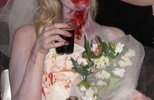 zombie bride Funny Wedding Pictures Bad Wedding photos worst wedding pic ugly wedding dresses drunk bride groomsmen awkward family photos bad family bridesmaid dresses wedding receptions wedding djs russian wedding worst tattoos bad tattoos wedding makeup