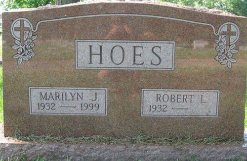 Hoes Funny Names on tombstones, funny tombstones, funny grave markers, funny headstones, funny pictures, random humor, people of walmart, awkward family photos, worst family photos, lol, fails, crazy, stupid humor