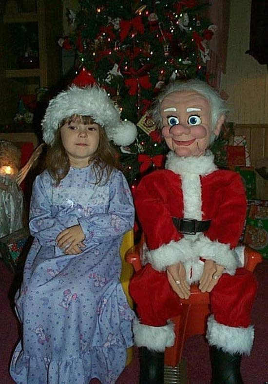 26 Awkwardly Funny Christmas Photos