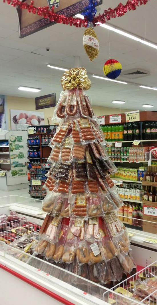 26 Funny Awkward Christmas Photos ~ Christmas tree made out of meat, sausages