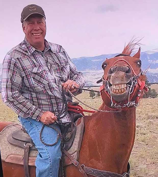 """""""Cheeeeese!"""" ~ funny smiling horse"""