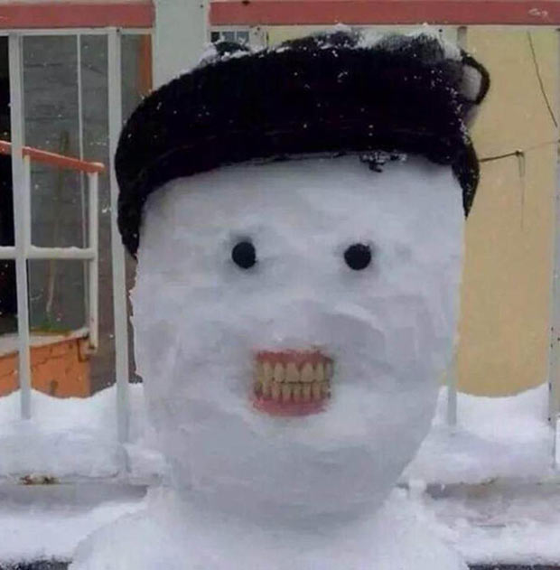 Cheeeeese... Smiling snowman with false teeth ... . ... ~.~ funny pics, best memes