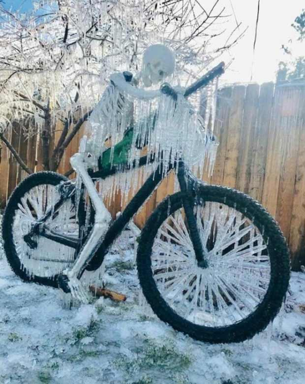 33 Best Memes and Funny Pics Laced with Humor! ~ frozen skeleton on bike winter
