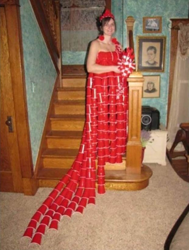 33 Funniest Memes and Pic to Get Your Laugh On ~ red solo cup dress, prom dress awkward family
