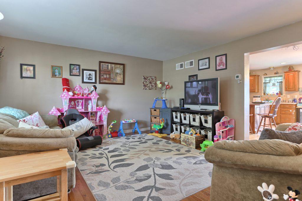 189 Twin Creeks Dr - Living Room 2