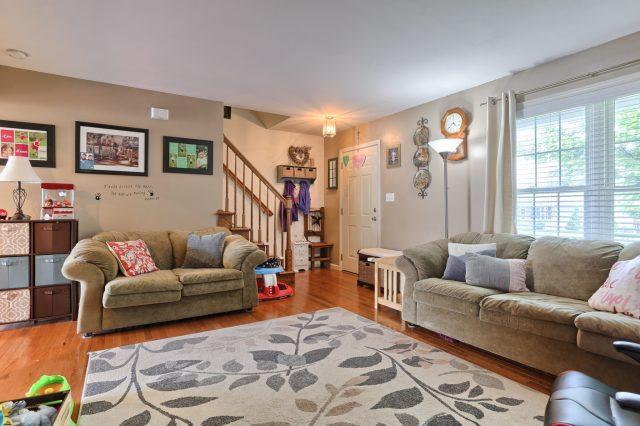 189 Twin Creeks Dr - Living Room 3