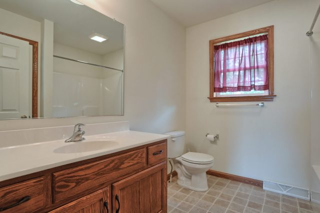 77 Gable Drive - Upstairs bathroom