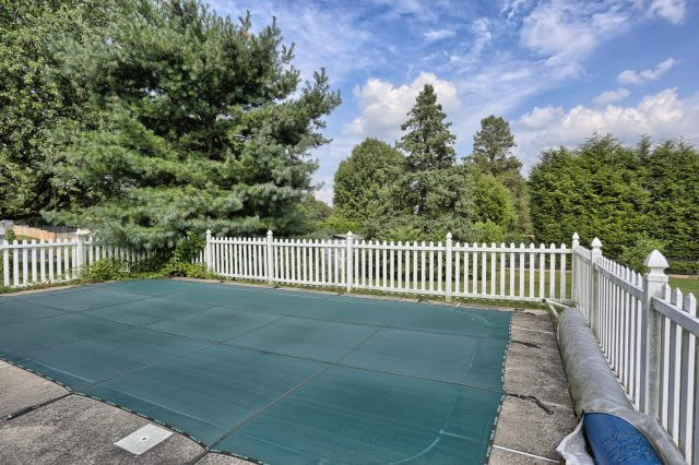 1434 Jody Ave - Pool