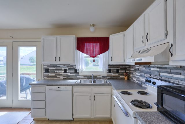 2160 Walnut St - Kitchen