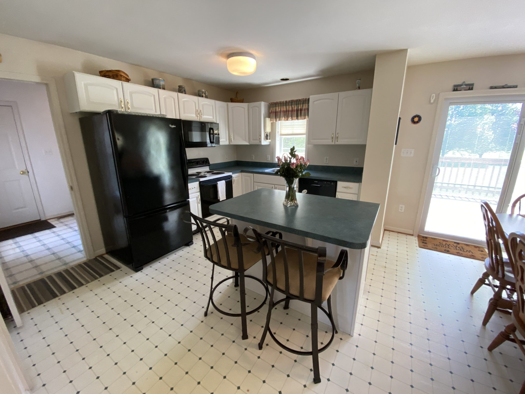 22 Norma Ln, Richland - Kitchen