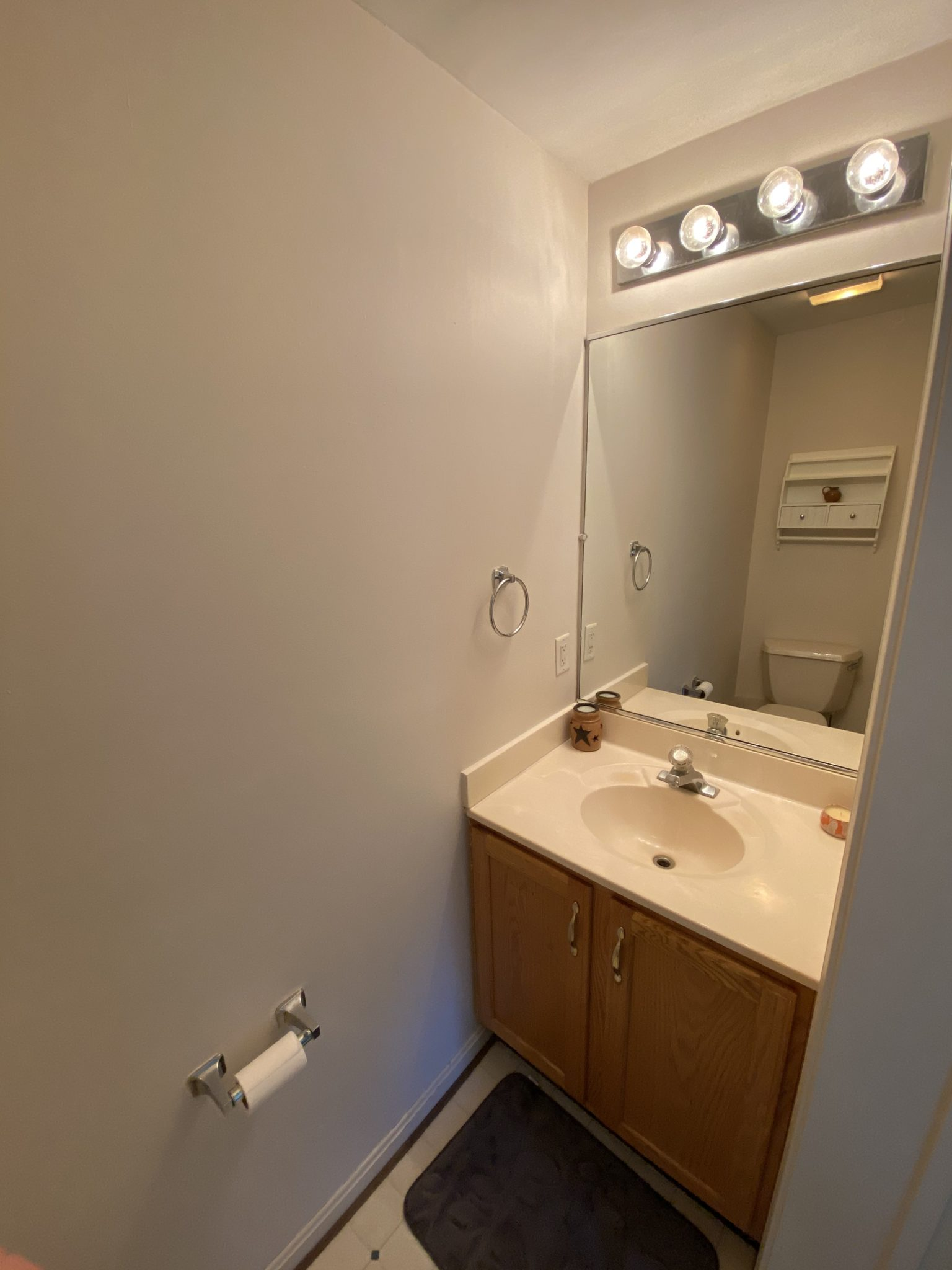 22 Norma Ln, Richland - Powder Room
