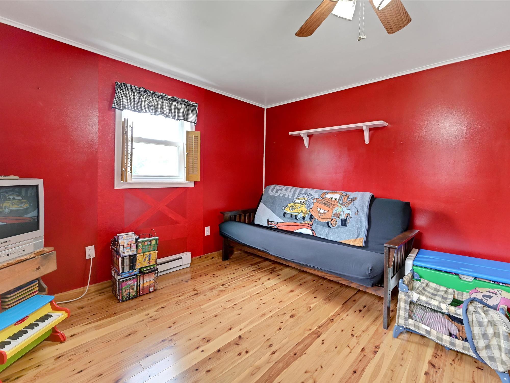 1617 Greenwood Dr. - Bedroom 1b