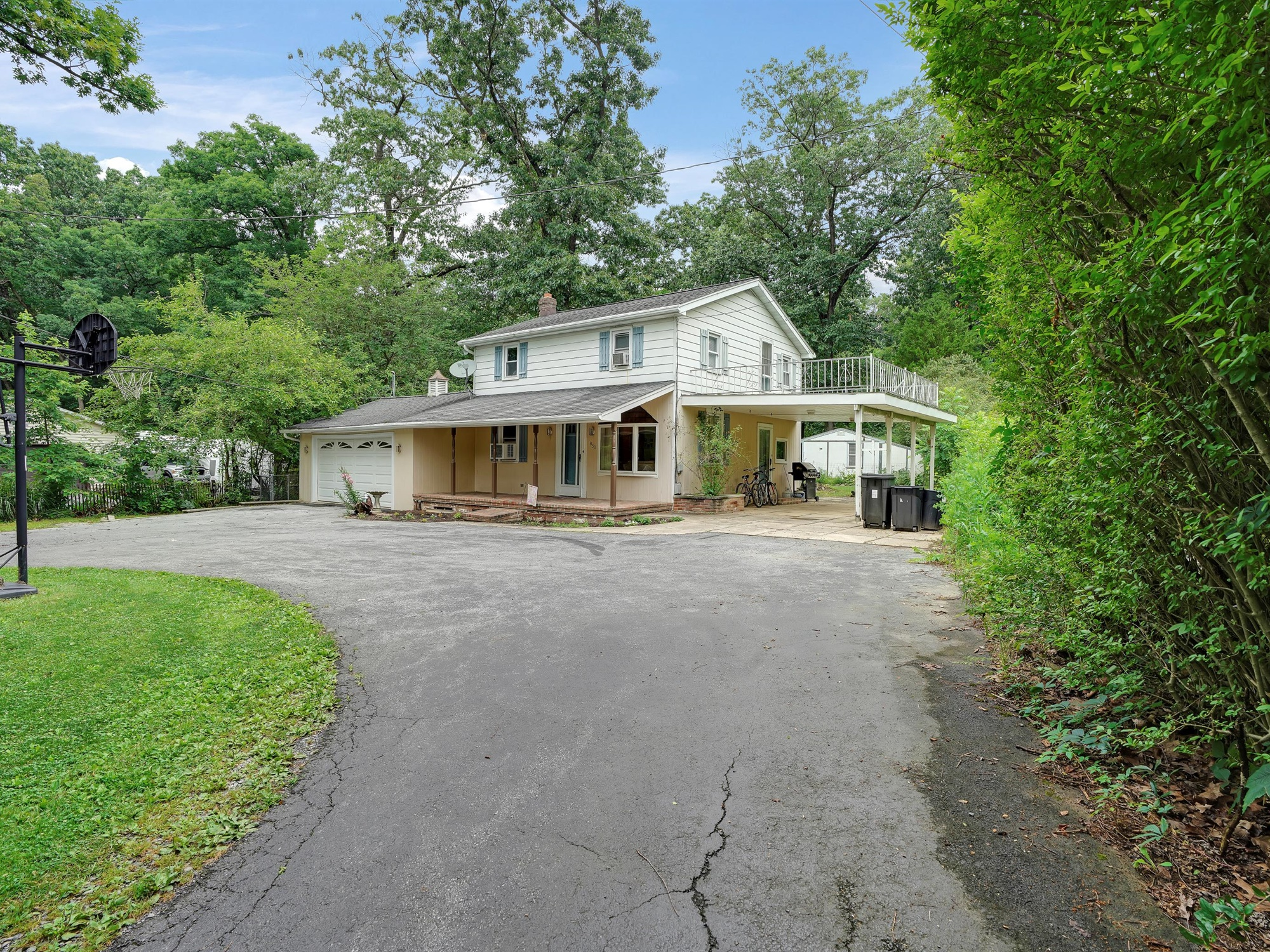 850 Prescott Dr. - wooded setting with convenience