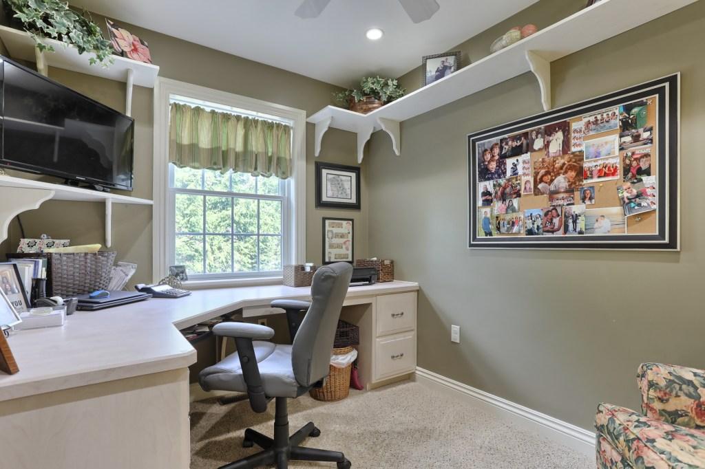 233 Troon Way - Office