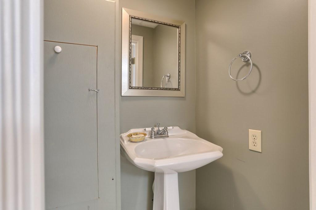 233 Troon Way - Basement Half Bathroom