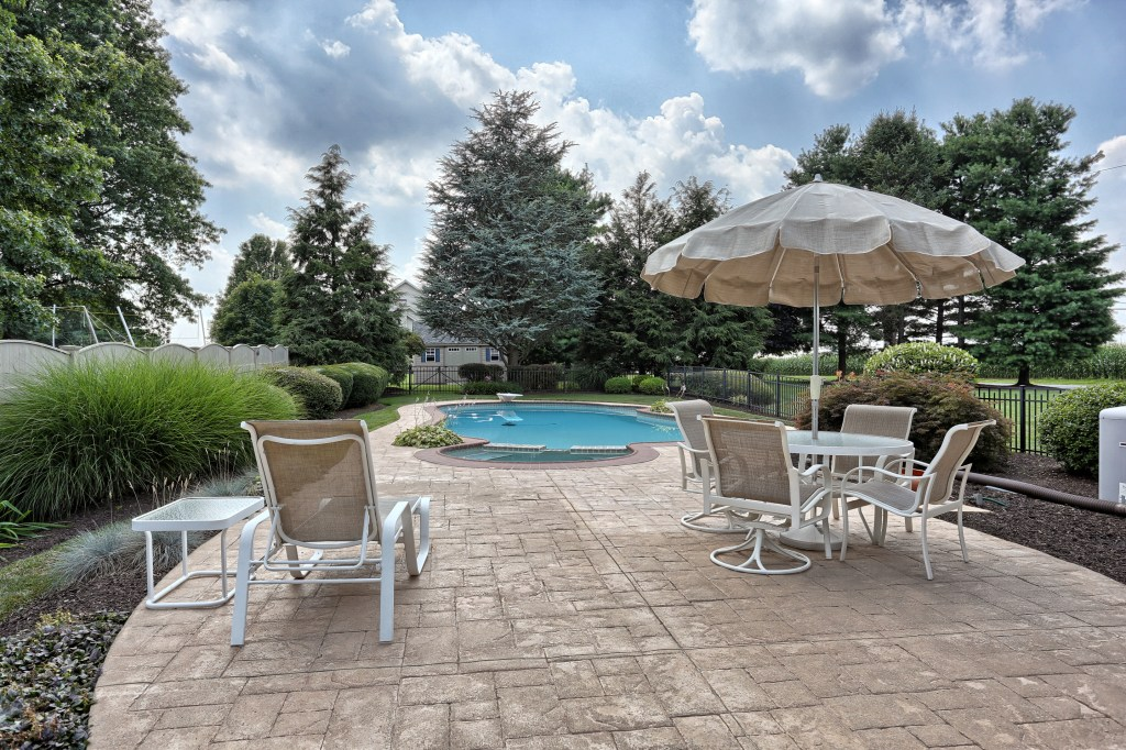 Clean your outdoor stone surfaces