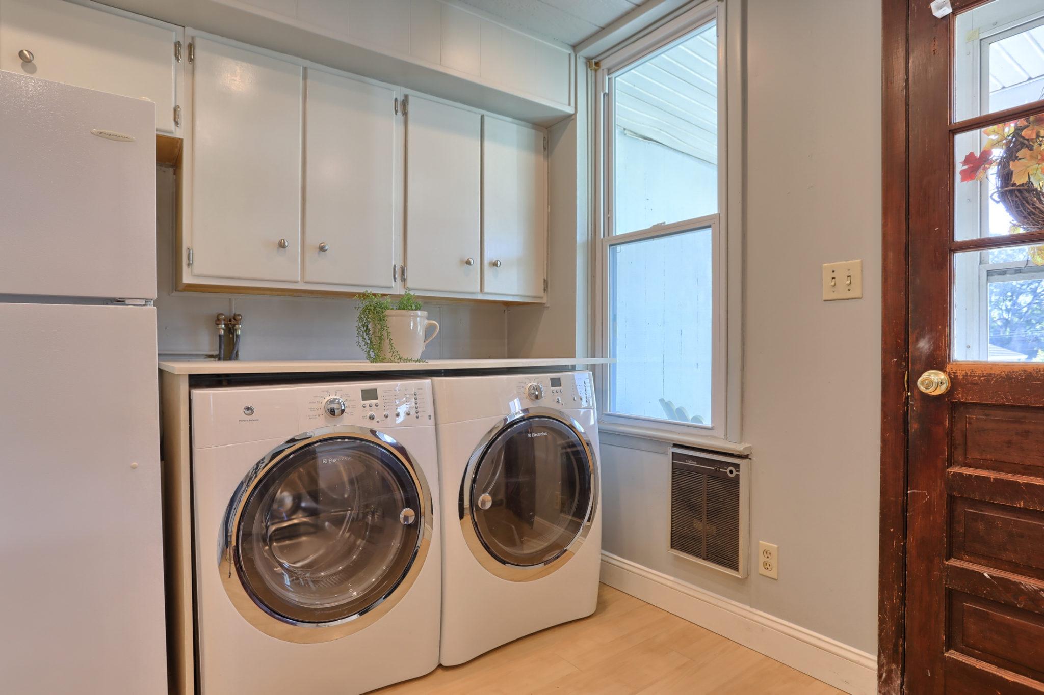 12 E. Maple Avenue - Kitchen/Dining Area 8