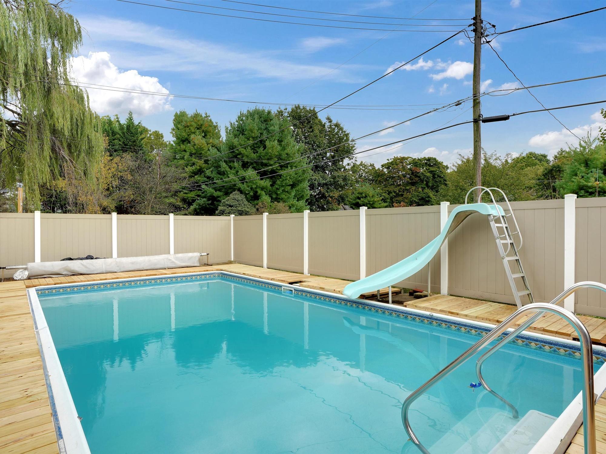 2022 Kline St - pool