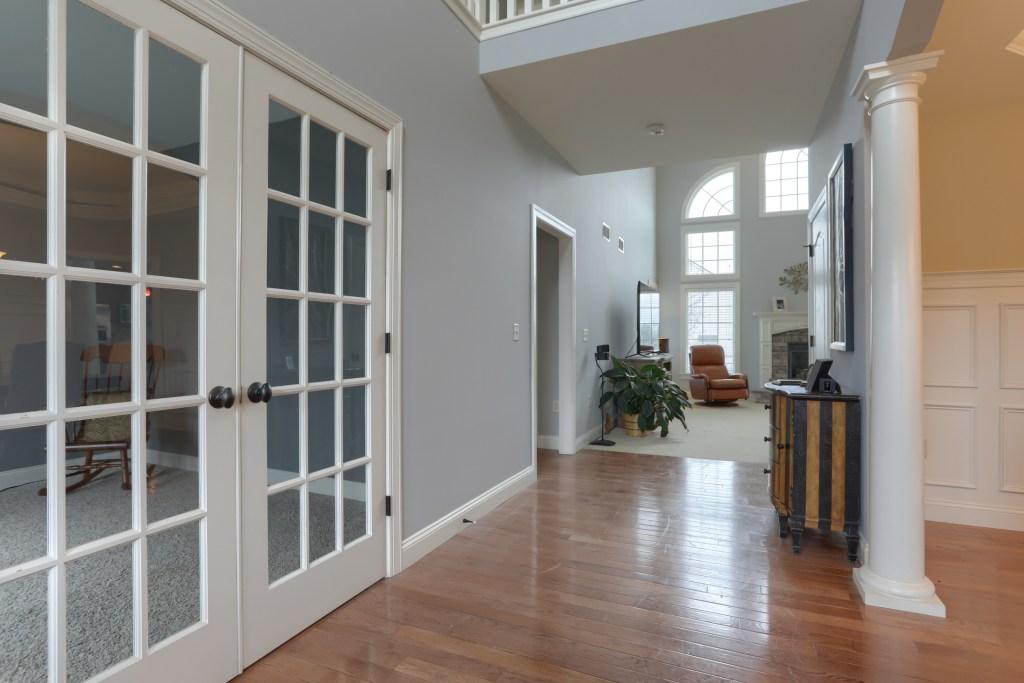 2000 mallard lane - view of spacious cedar crest home when you walk in the frontdoor