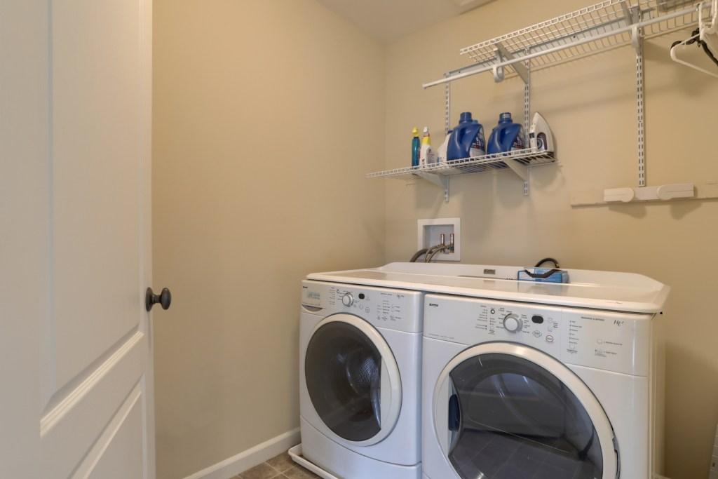 2000 Mallard Lane - upper level laundry room