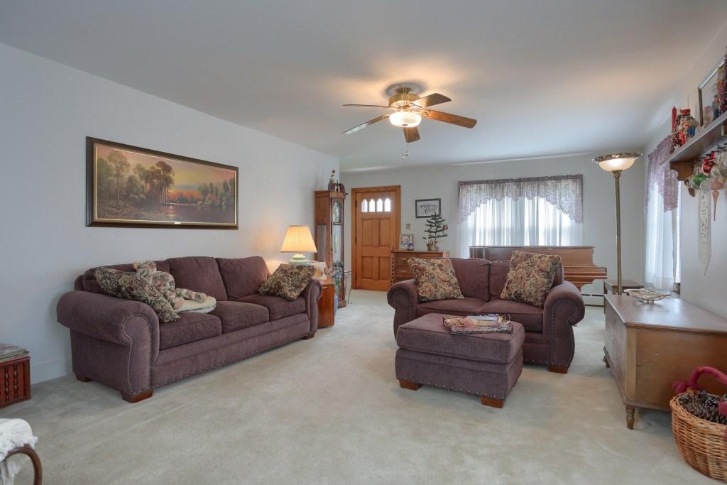 17 E. Hill St - Living Room