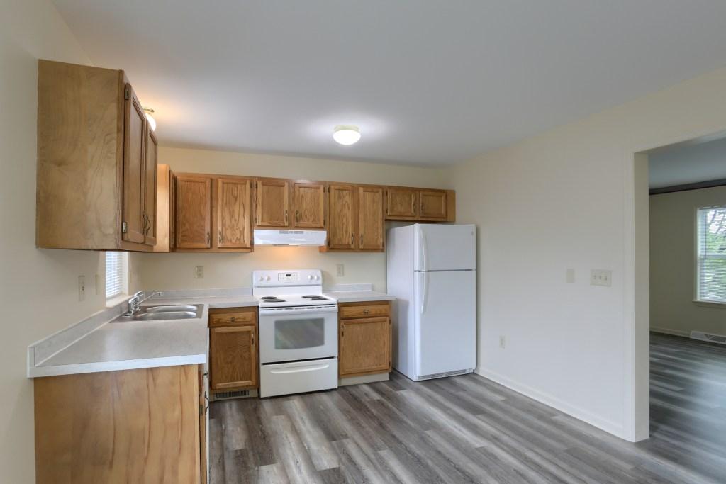25 Tiffany Lane - kitchen