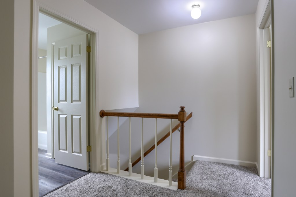 25 Tiffany lane - upstairs has all new carpet in this move in ready townhome