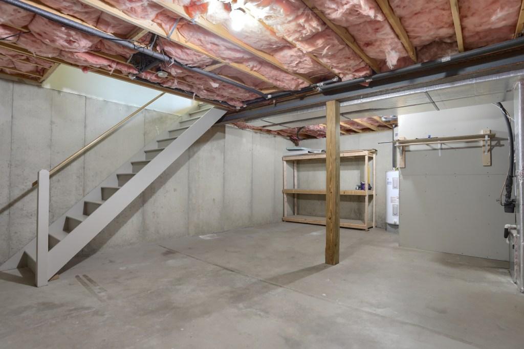 25 Tiffany Lane - basement