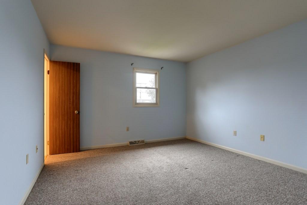 2158 Walnut Street - Main bedroom