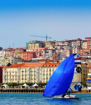 Santander Worlds 2014. Racing in front of the beautiful city.