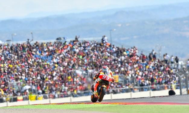 Miles de aficionados vibran en MotorLand con el espectáculo de MotoGP en MotorLand