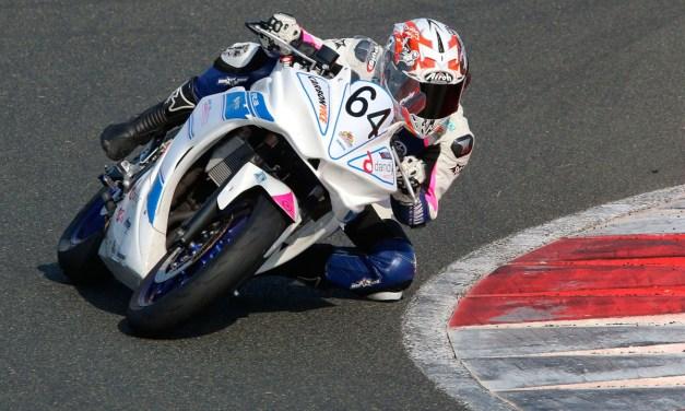 Sara Sánchez puede decidir la Women's Cup Yamaha R3
