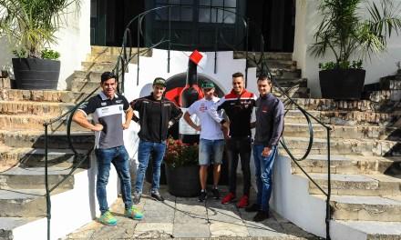 Los pilotos del WSBK visitan las bodegas de Jerez