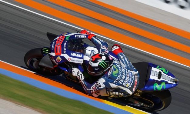 Lorenzo lidera con autoridad la primera jornada de entrenamientos de MotoGP