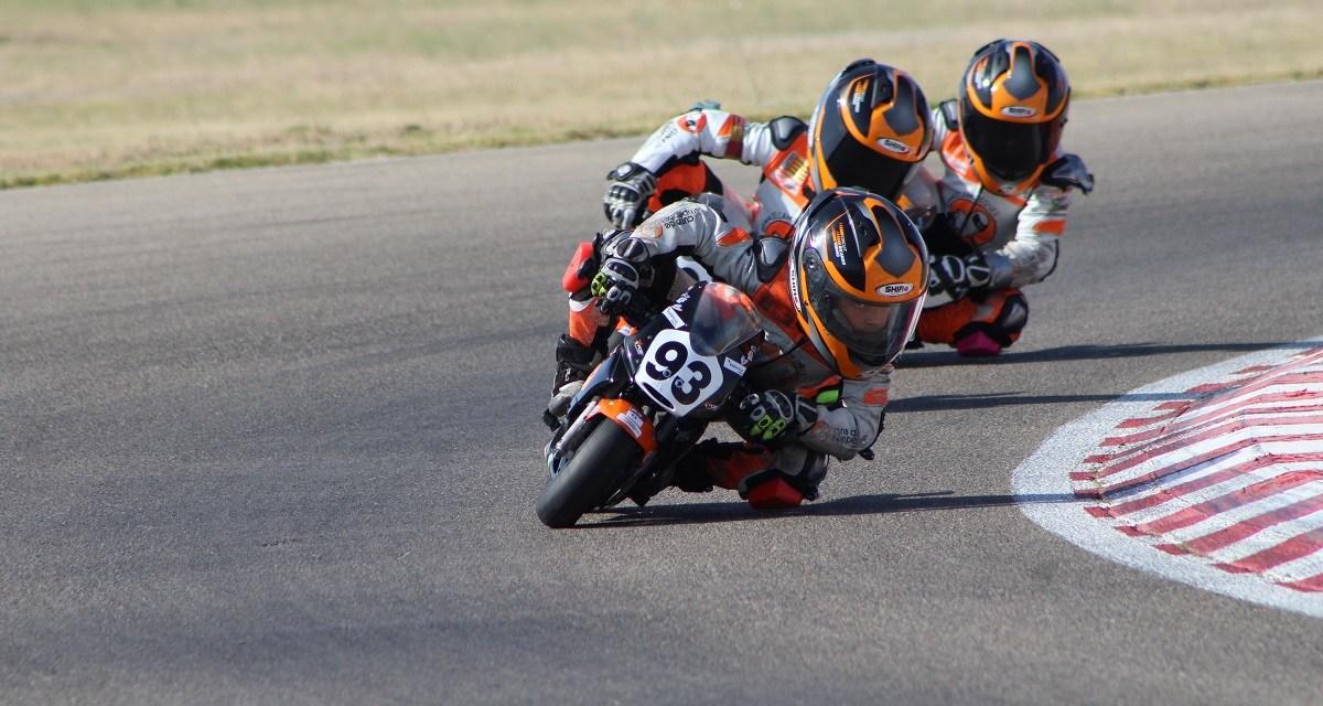 Tripletes para Ferrández en Moto5 y García en MiniGP 110 en la minivelocidad de Zuera