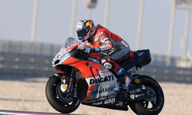 Dovizioso acaba tercero y Lorenzo décimo en la clasificación combinada de los tres días.