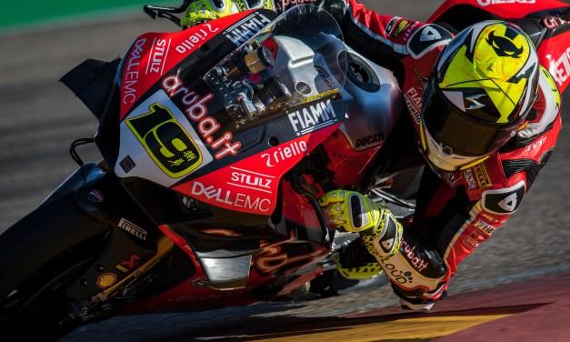 Séptima victoria consecutiva para Álvaro Bautista en su carrera en casa en MotorLand Aragón