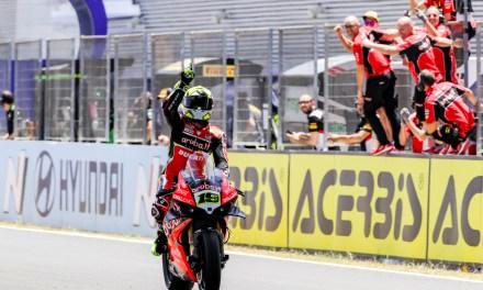 Álvaro Bautista logra la primera victoria española en Jerez del Campeonato del Mundo de Superbike