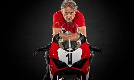 Ducati conmemora el 25º aniversario de la 916 con una edición limitada de la Panigale V4
