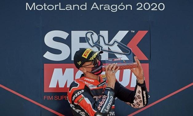 Emocionantes batallas en las primeras carreras del Mundial de Superbikes en MotorLand